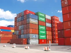 container-489933_960_720